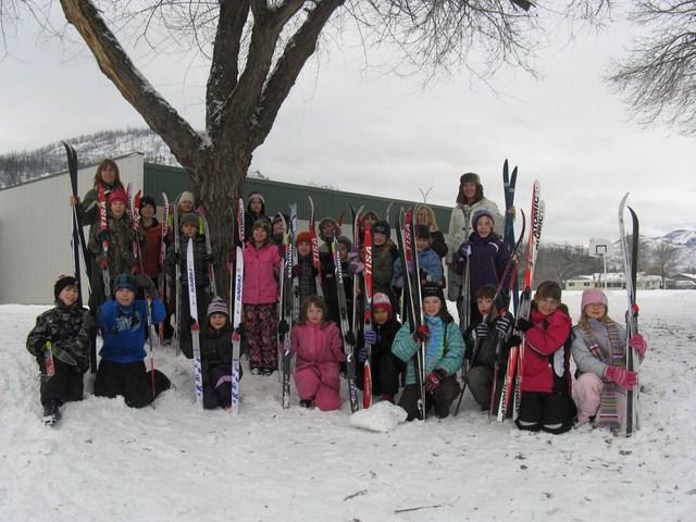 Gr 3 Ski Program kids [640x480]